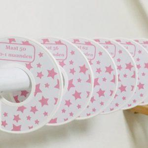 Maatschijven wit custom made met roze sterretjes van heBBiez