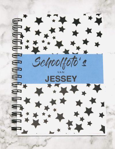 Schoolfotoboekje met naam Jessey